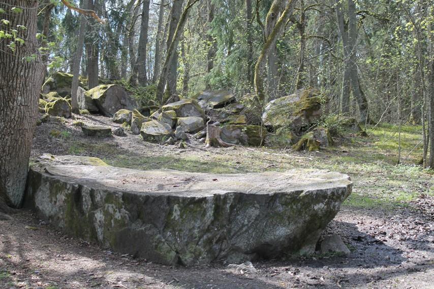 Katariinan kivi Katariinanlaakson luontopolulla