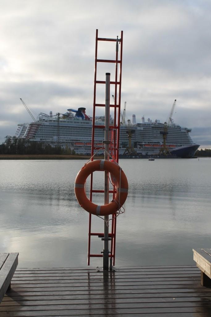Raision venesatamasta voi ihailla laivanrakennusta