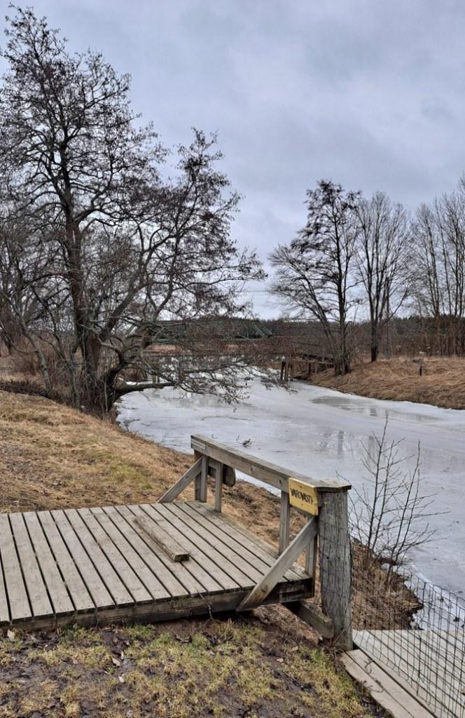 Mynäjoki Asmankolon laavun kohdalta